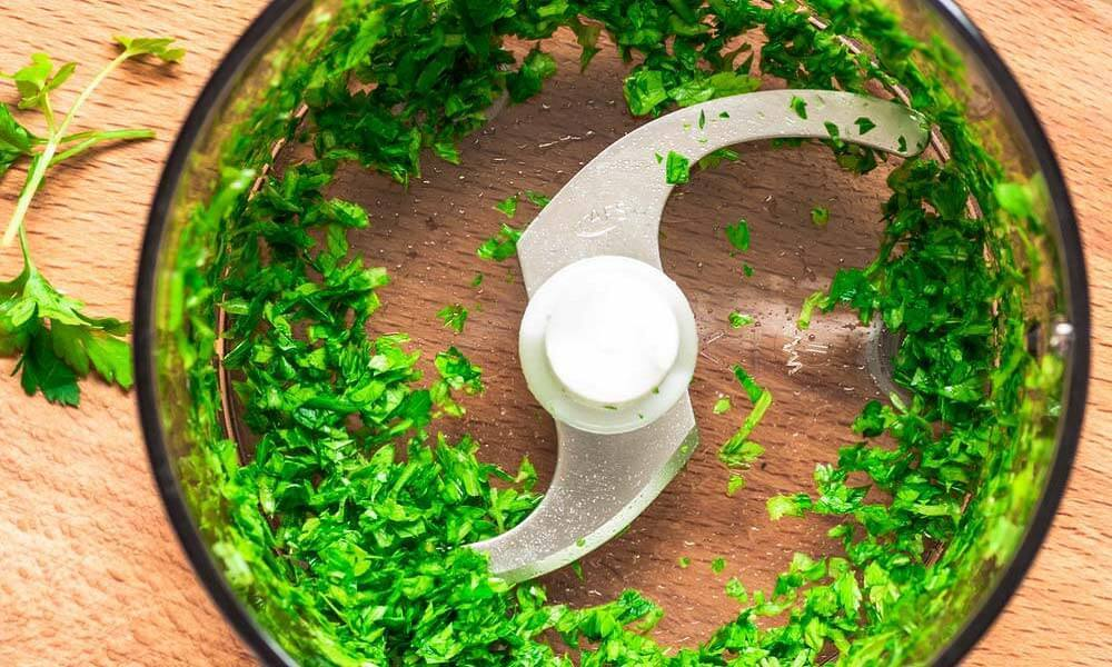 How_to_Chop_Parsley_in_a_Food_Processor